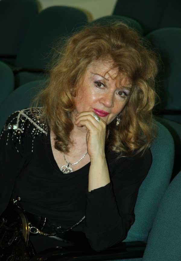 Юбилей писателя и журналиста Роберта Баблояна: http://kassandrion.narod.ru/Babloyan/babloyan.htm